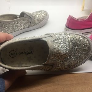 Converse Shoes - 🎁🎁Converse and Cat & Jack girls shoes size 9